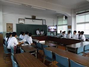 鹿児島県立鹿児島中央高等学校加世田高校の生徒会が訪問